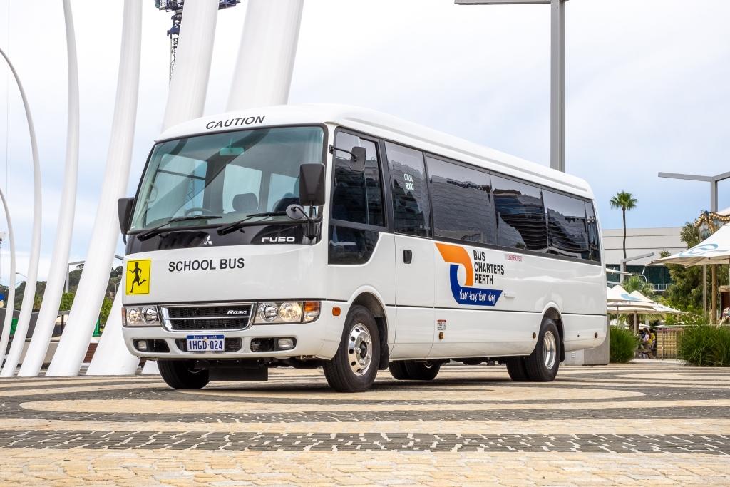 Mitsubushi-Rosa-Bus-2